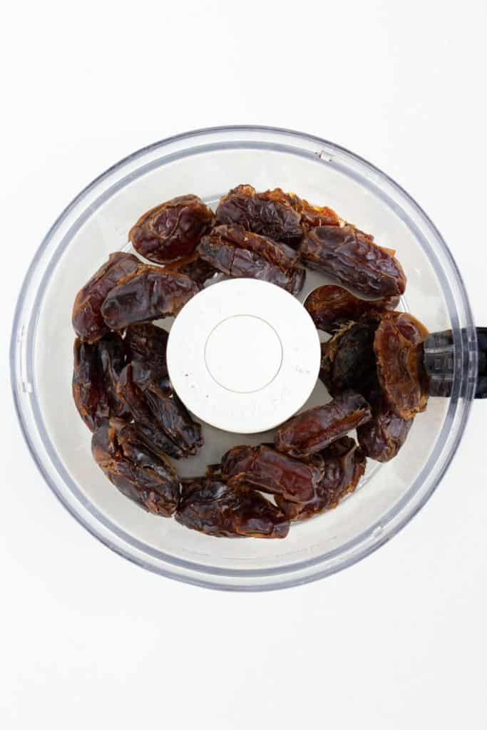medjool dates inside a food processor